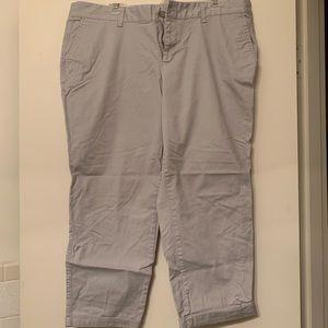 Gap girlfriend khakis cropped pants.